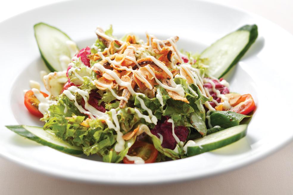 Garden Salad w garlic balsamic